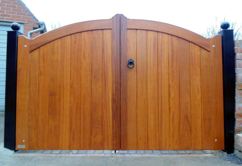 Wiltshire Timber Driveway And Garden Gates Hrg Services