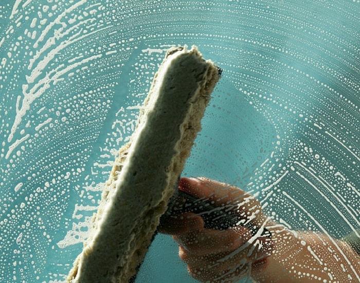Window Cleaning 700-min