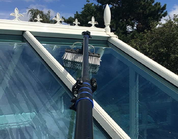 conservatory-cleaning-700-min